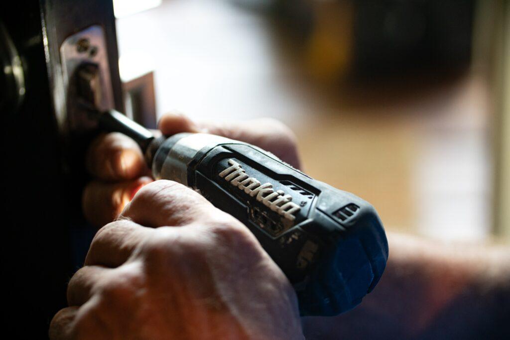 Andrew Cunningham-Moorat home repairs